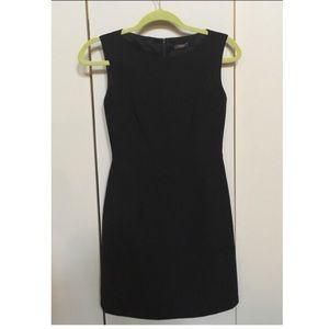 TAHARI Classic Sheath Petite Dress